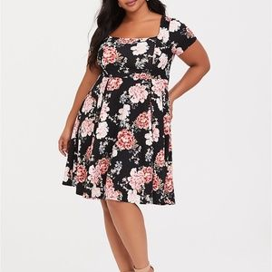 Women's Torrid black floral print dress sz 4 (4X)